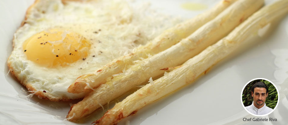 White Asparagus with Fried Egg